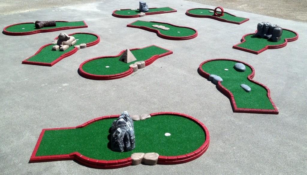 9 Hole Miniature Golf