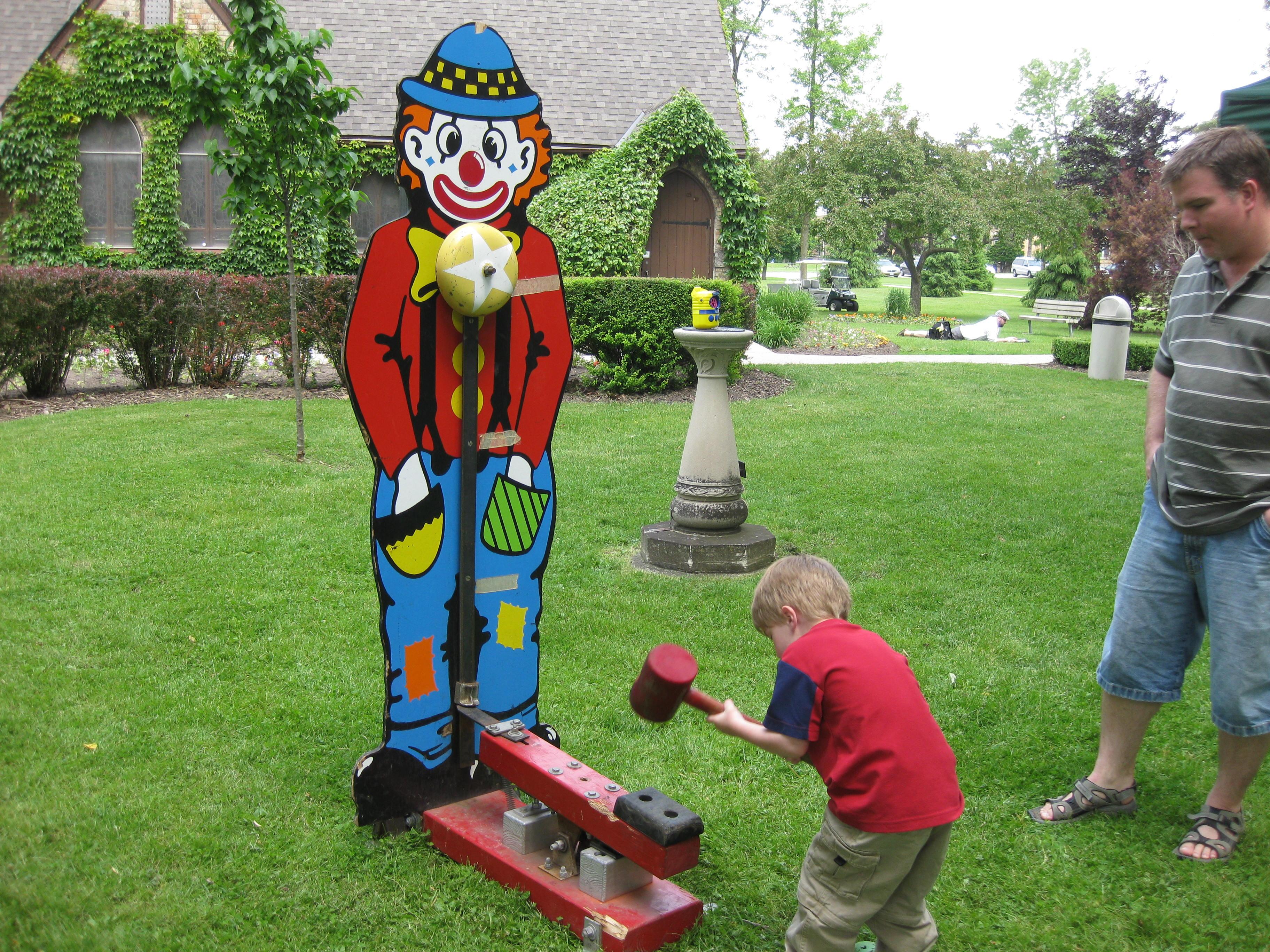 Clown Easy Striker
